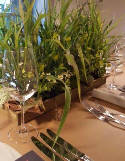 """""""Blumenwiese"""" als Tischschmuck"""